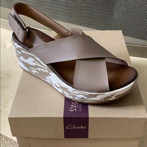Clark's Stasha Hale Wedge Sandal - WIDE